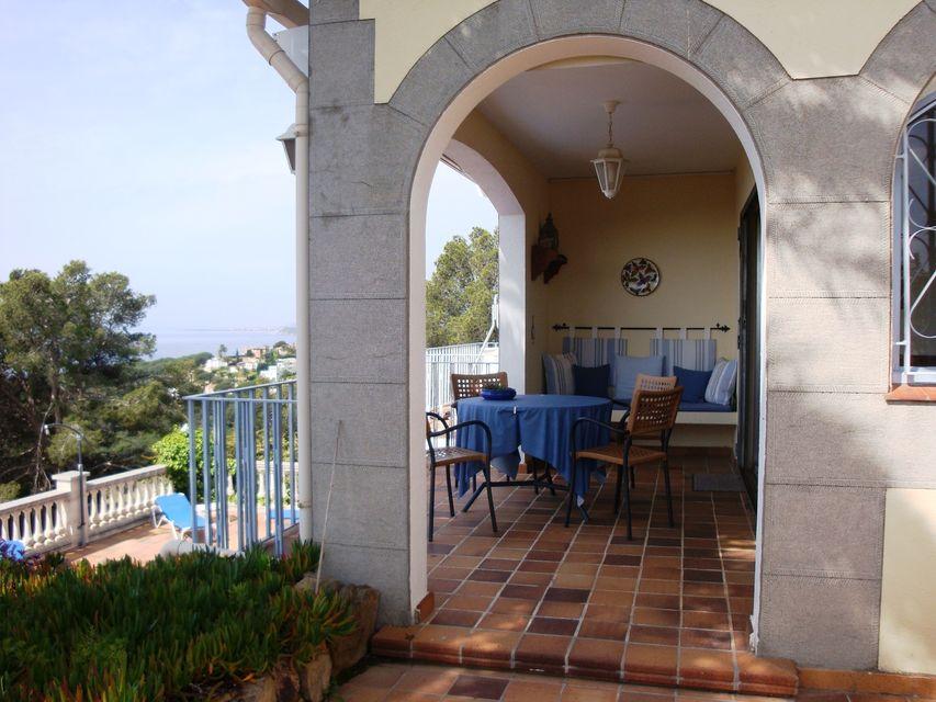 Vortreffliche Sommervilla Mit Schwimmbad Zur Vermietung In Cala Canyelles.