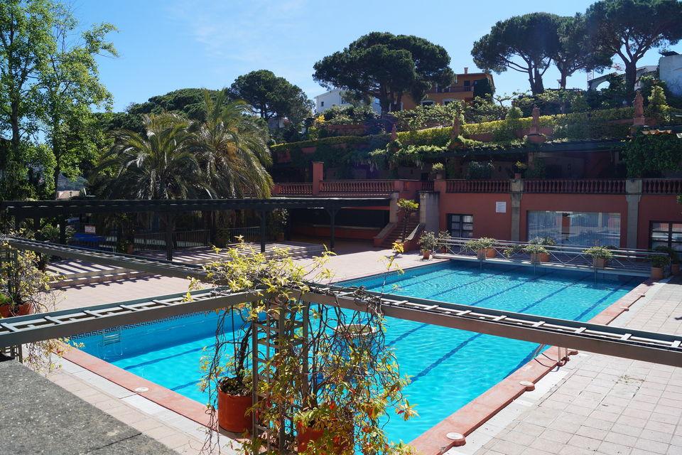 Moderna casa con piscina cerca de la playa en alquiler cala canyelles - Casa con piscina alquiler verano ...