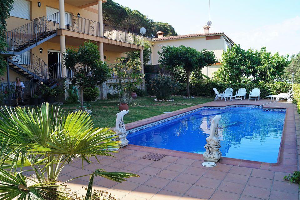 Miete mit kaufoption villa mit eigenem pool und for Pool verkauf