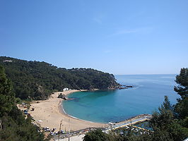 House with beautiful views for rent in Cala Canyelles.