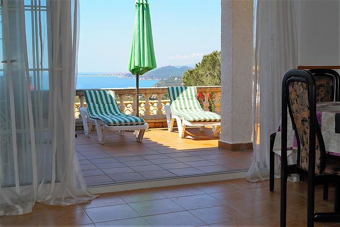 House with 2 bedrooms with sea views, for rent, in Cala Canyelles-Lloret de mar