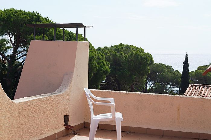 House with pool and sea views, residential area anyelles. Cala Canyelles