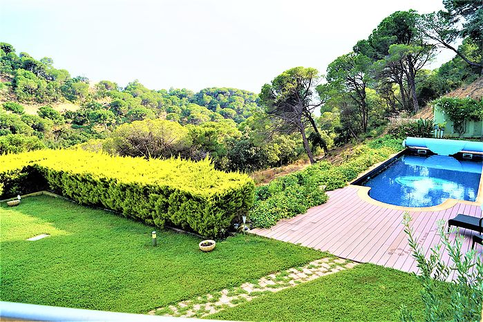 Modern house with private pool for rent of long stay (Lloret de mar)