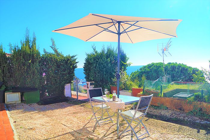 Romantic studio for rent close to the beach of Cala Canyelles (Lloret de Mar)