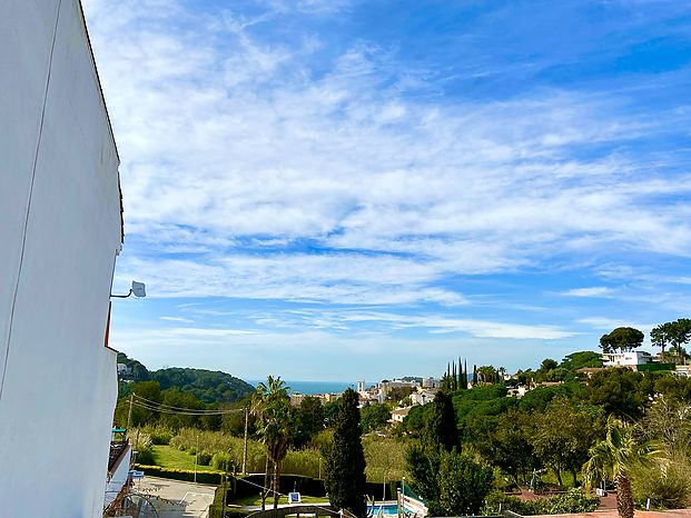 House paired,  with views to the sea in Lloret de mar