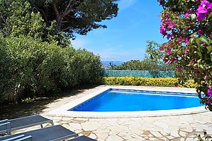 House with private pool for rent near the beach Cala Canyelles.