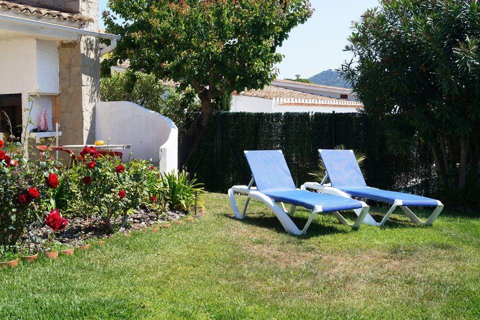 Belle maison avec jardin et vue sur la mer louer cala for Location appartement ou maison avec jardin