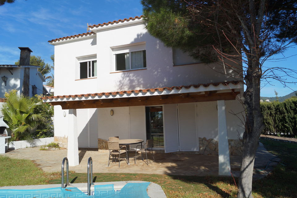 House For Rent With Swimmingpool In Cala Canyelles Lloret De Mar