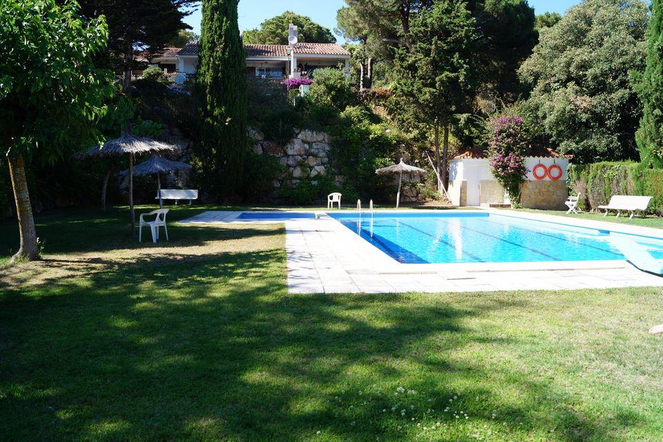 Maison de vacances pr s de la plage la levantina for Location maison lloret del mar avec piscine